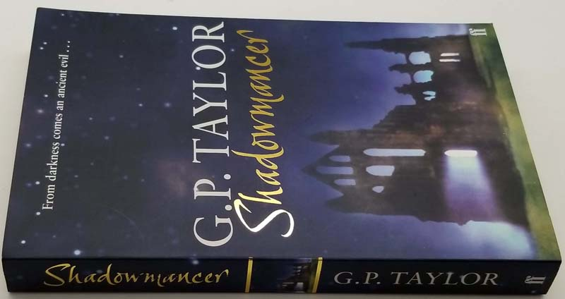 Shadowmancer - G. P. Taylor 2003 SIGNED