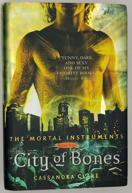 City of Bones - Cassandra Clare 2007 | 1st Edition
