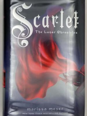 Scarlet - Marissa Meyer 2013 | 1st Edition