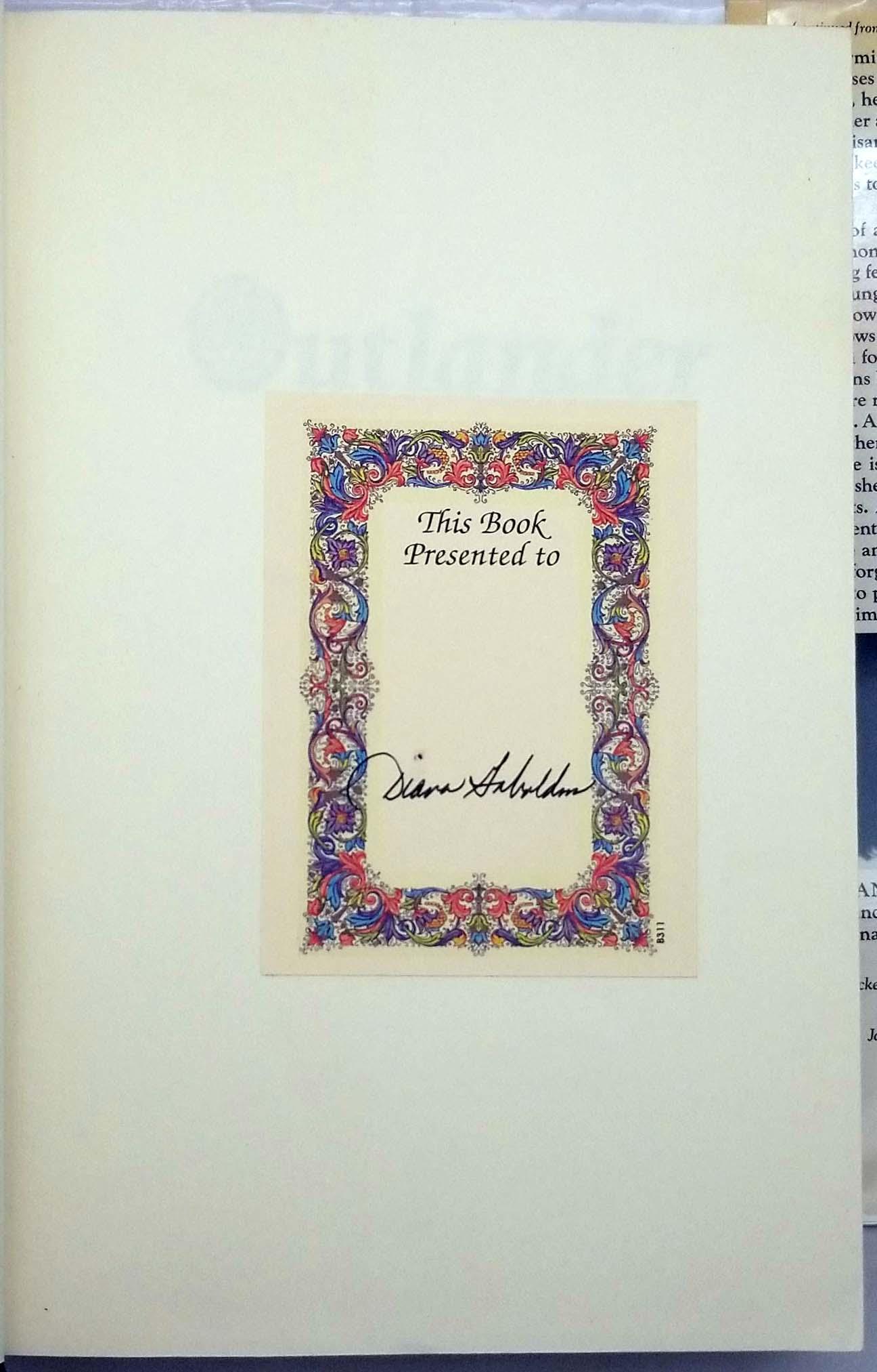 Outlander - Diana Gabaldon 1991   1st Edition SIGNED