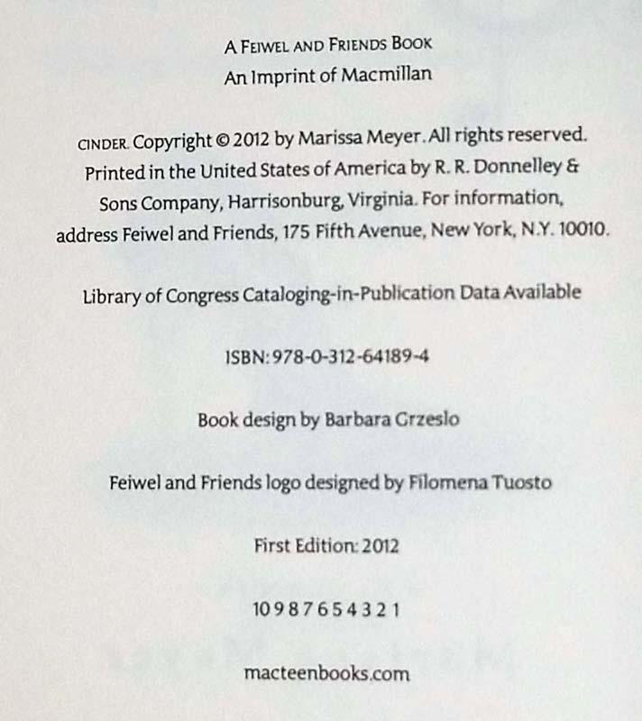 Cinder - Marissa Meyer 2012 | 1st Edition