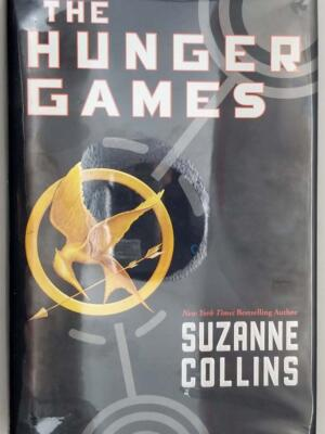 Hunger Games - Suzanne Collins 2008 | 1st Edition